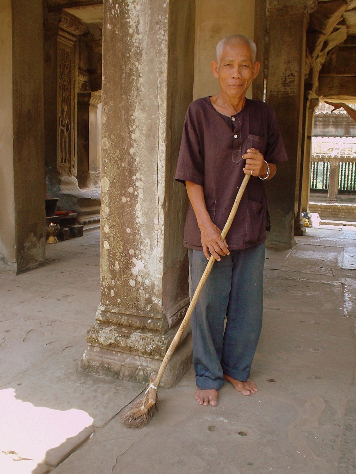Angkor Wat Cleaner