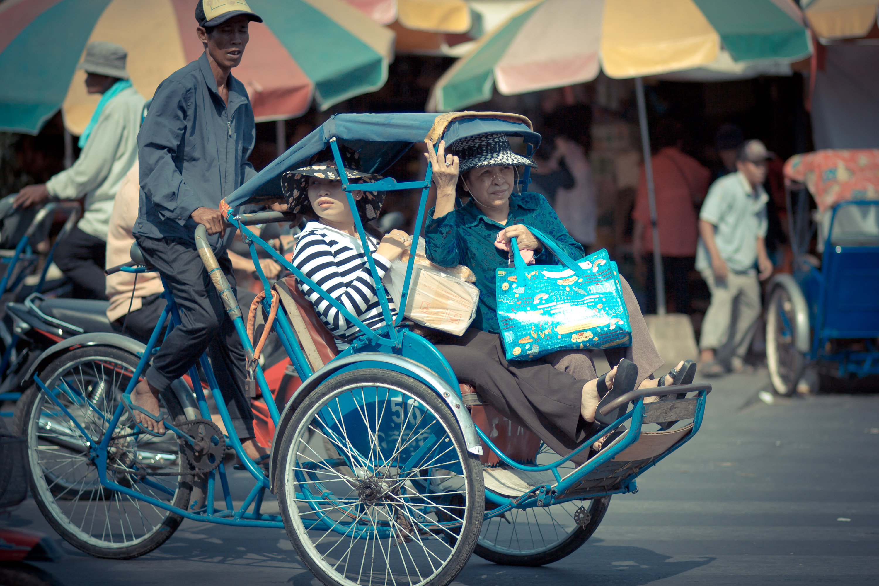 Cyclo-Ride-Phnom-Penh.jpg