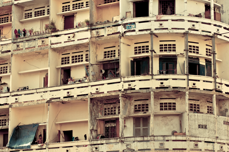 Old-Apartments-Phnom-Penh.jpg