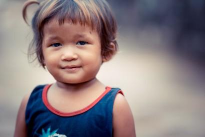 Cambodian-Girl-Bayon